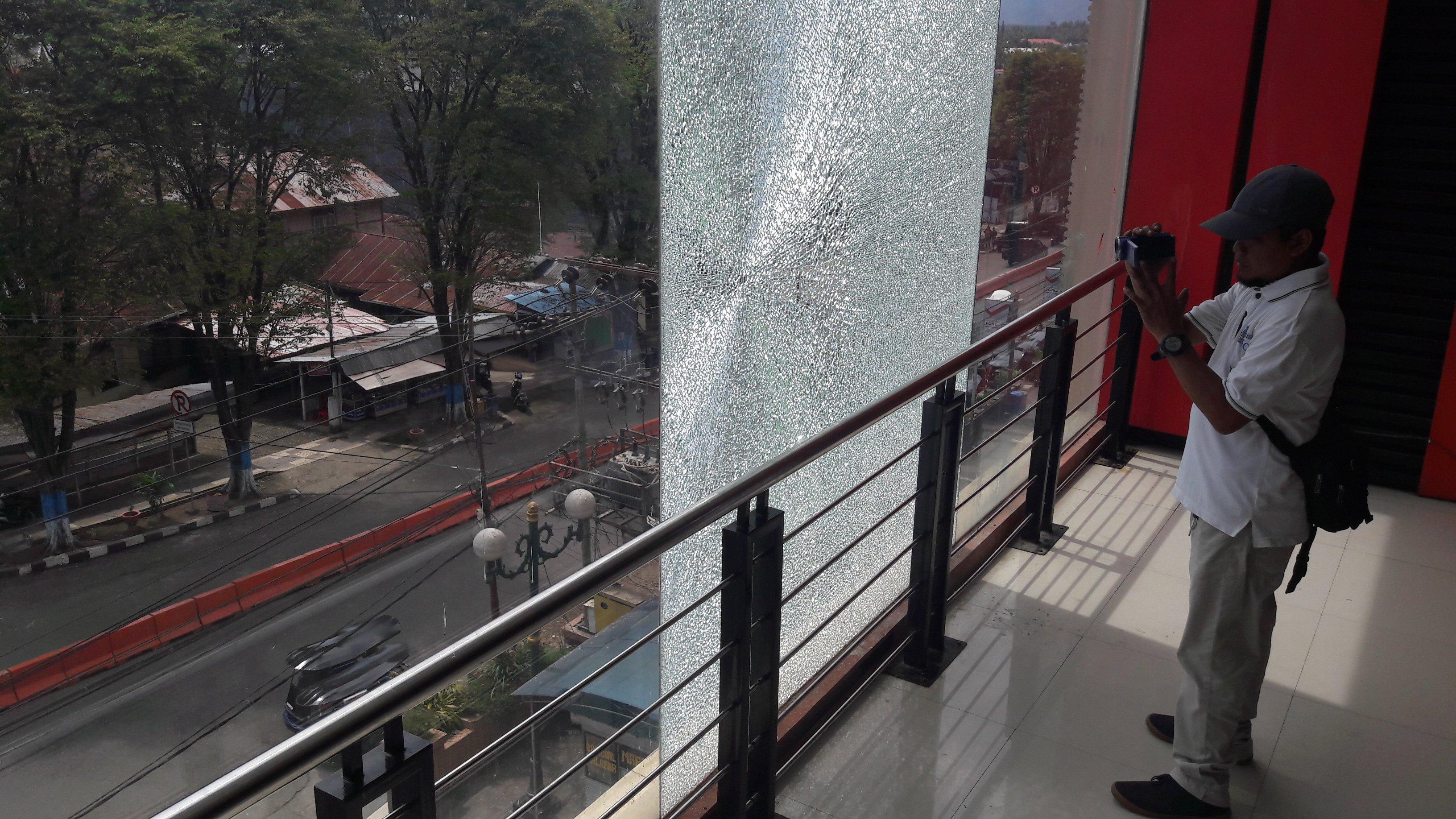 Gedung Paris Superstore Ditembak Orang Tak Dikenal Berita Hukum Berita Kotamobagu