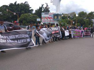 Ratusan Demonstran Minta Kabid Terduga Cabul Dihukum Berat Berita Daerah Berita Hukum