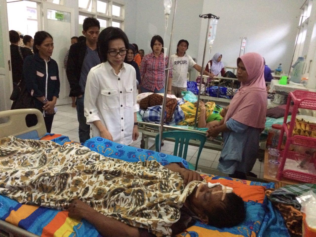 Jiwa Sosial Tinggi, Yasti Kunjungi Pasien RSU Kotamobagu Berita Bolmong Berita Daerah