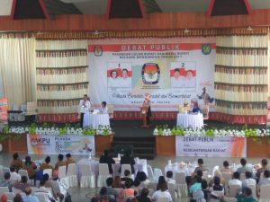 Suasana Debat Publik, Pasangan calon Bupati dan Wakil Bupati Bolaang Mongondow, di Gedung Bagas Raya, Kopandakan II