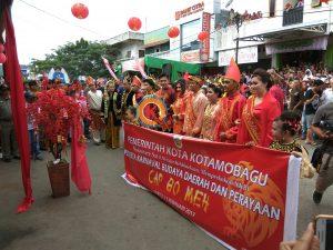 Parade Baju Adat Bolaang Mongondow