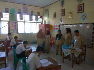 Walikota Tatong Bara memantau langsung pelaksanaan UN