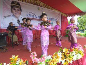 Lomba dana-dana di Festival Seni dan Budaya Kotamobagu