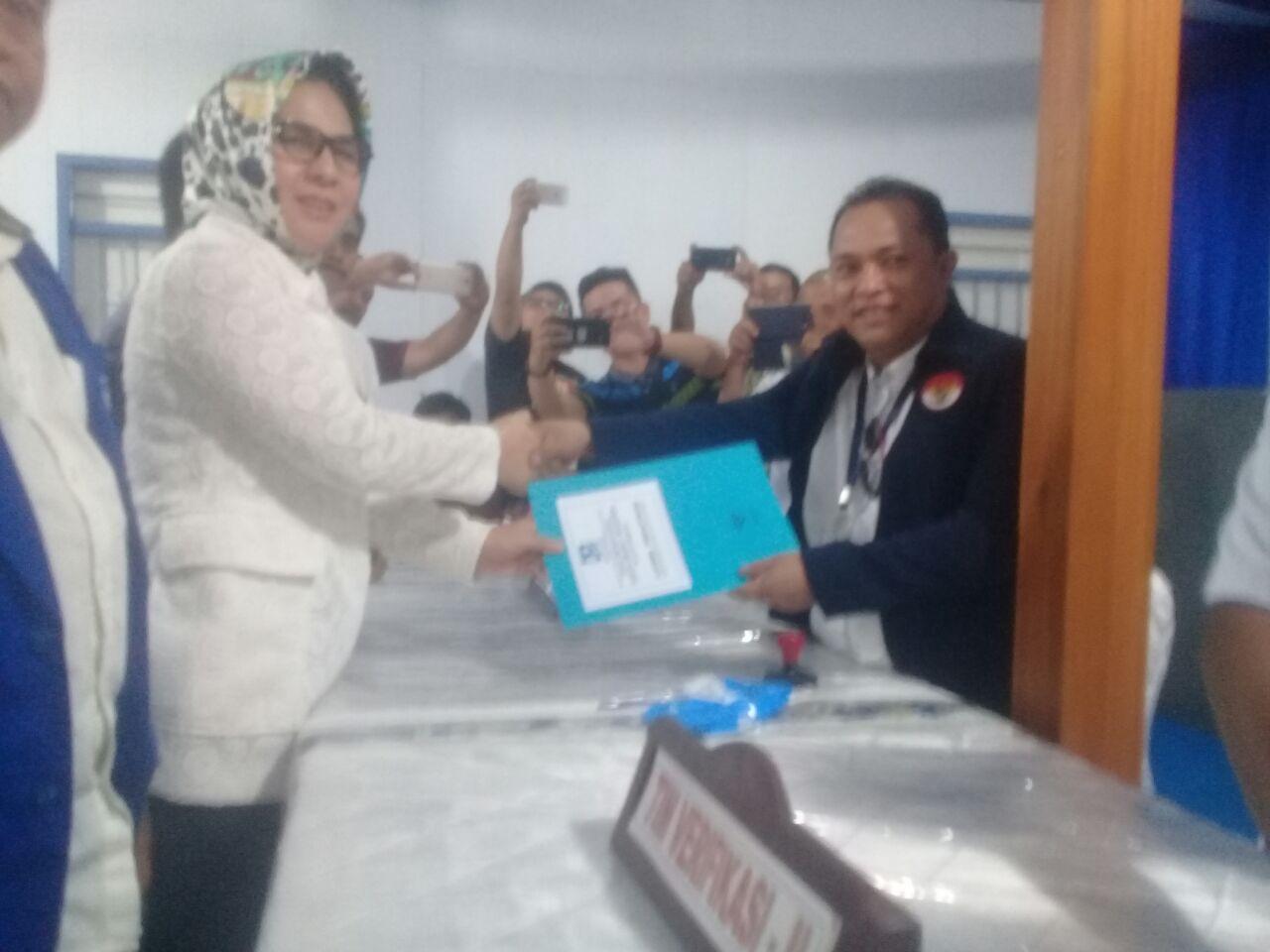 Tak Kerahkan Massa, Tatong Mendaftar di PAN Berita Politik