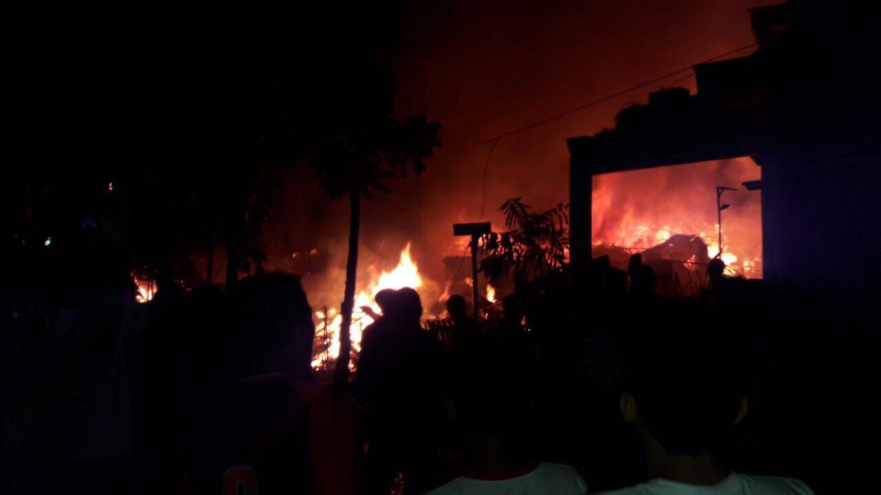 25 Rumah di Gogagoman Terbakar, Ratusan Warga Mengungsi Berita Daerah Berita Kotamobagu