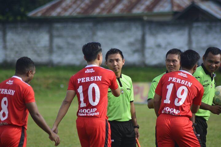 Daerah Kotamobagu Olahraga  Wasit Profesional Walikota CUP Semifinal Persin Diktra Prima Pobundayan