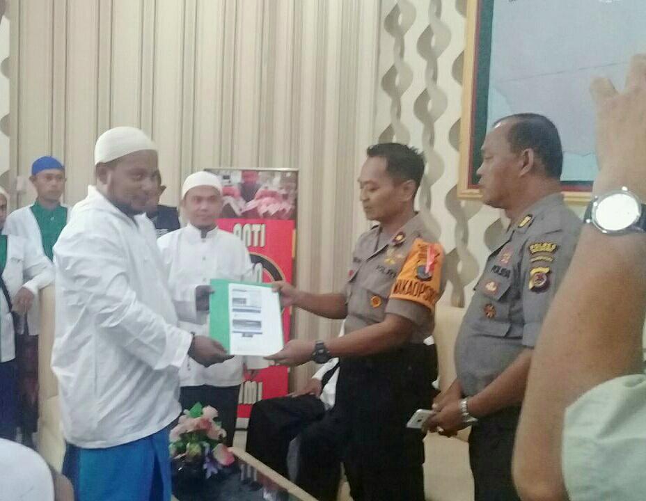 Majelis Dzikir Ittihadul Ummat Nuangan melaporkan akun Facebook yang diduga menghina Nabi Muhammad ke Polres Bolmong.