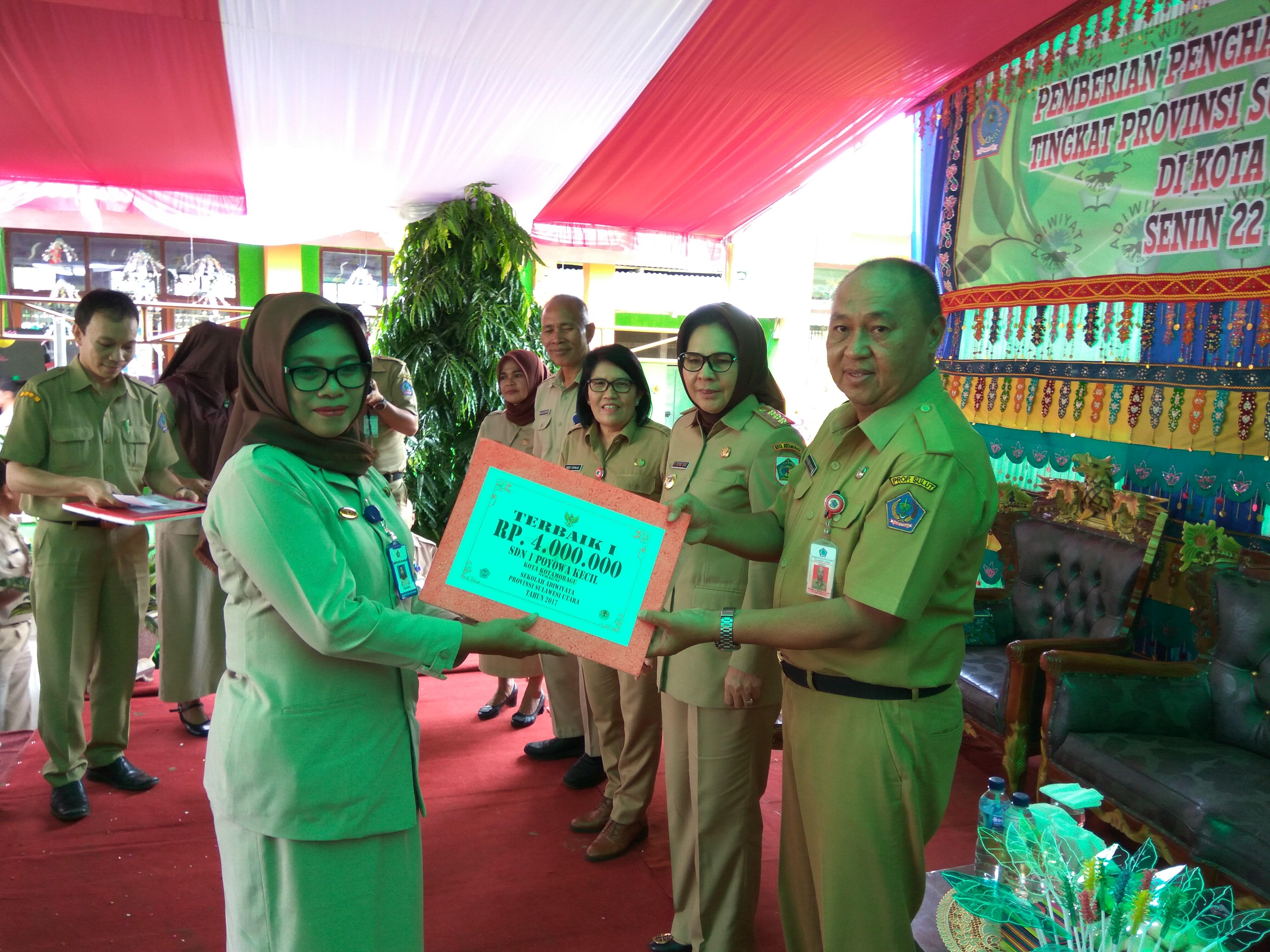 Empat Sekolah di Kotamobagu Terima Adiwiyata Tingkat Provinsi Berita Daerah Berita Kotamobagu