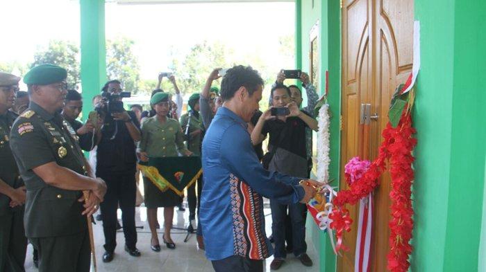 Yanny Gunting Pita Gereja di Mako Yonarmed 19/105 Tarik Bogani Berita Bolmong Berita Daerah