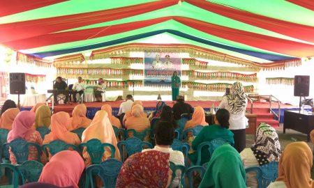 Meski Tak Pintar Menyanyi, Ibu-Ibu Ini Antusias Ikut Bolmong Idol Berita Bolmut Berita Daerah