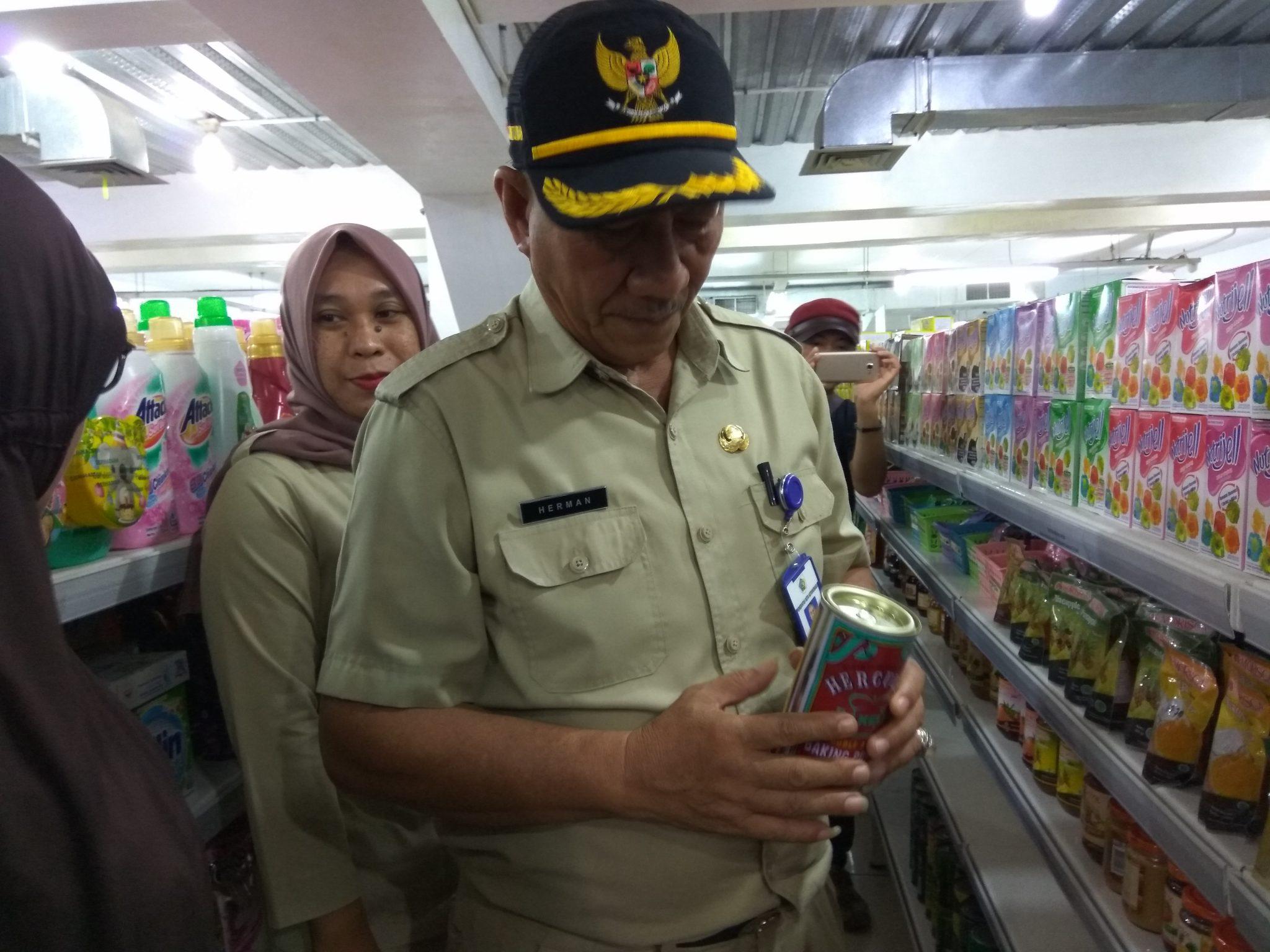 Sidak Ikan Kaleng Bercacing, Malah Dapat Ikan Kaleng Penyok Berita Daerah Berita Kotamobagu