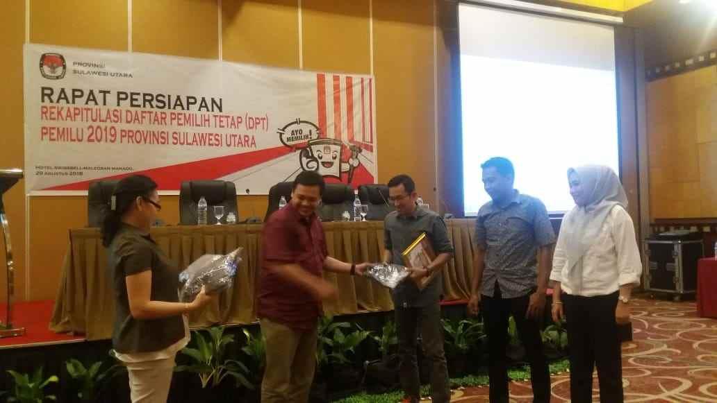 KPU Bolmong Terbaik ke-3 Pengelolaan DPT Berita Bolmong