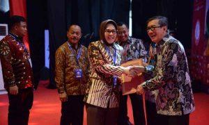 Walikota Terima Penghargaan Kota Peduli HAM Advertorial