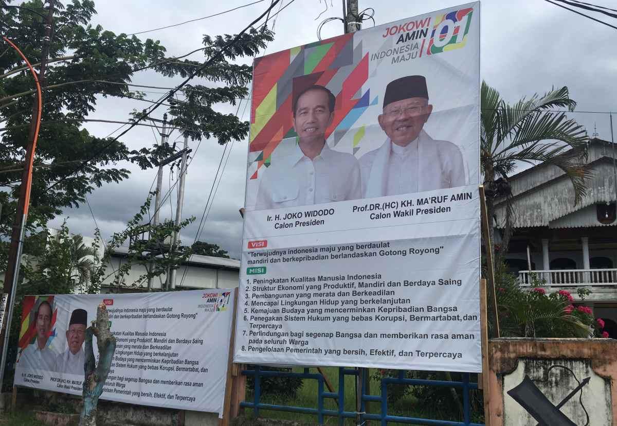 PDI Perjuangan Kotamobagu Mulai Pasang APK Jokowi- Amin Berita Politik
