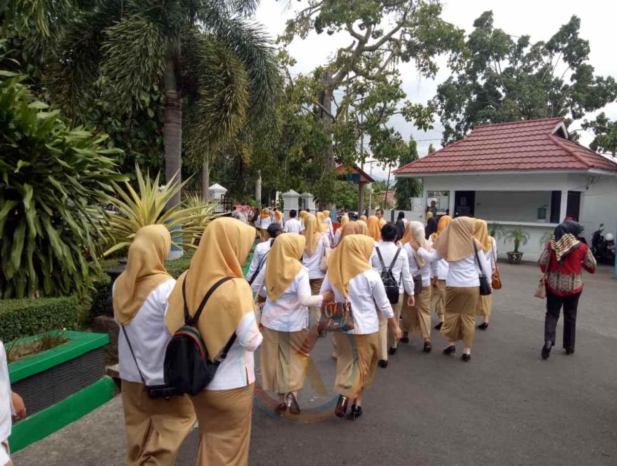 Tatong Bara ke Bakan, Ratusan THL Batal Terima SK Berita Kotamobagu