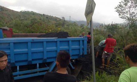Angkut Pasir Besi Ilegal, Belasan Truck Dihentikan Paksa Camat dan Kapolsek Modayag Berita Boltim