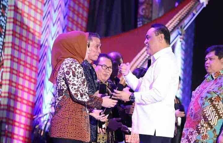 Terima SAKIP Award 2018, Pelayanan Publik Tetap Jadi Fokus Tatong Bara Advertorial