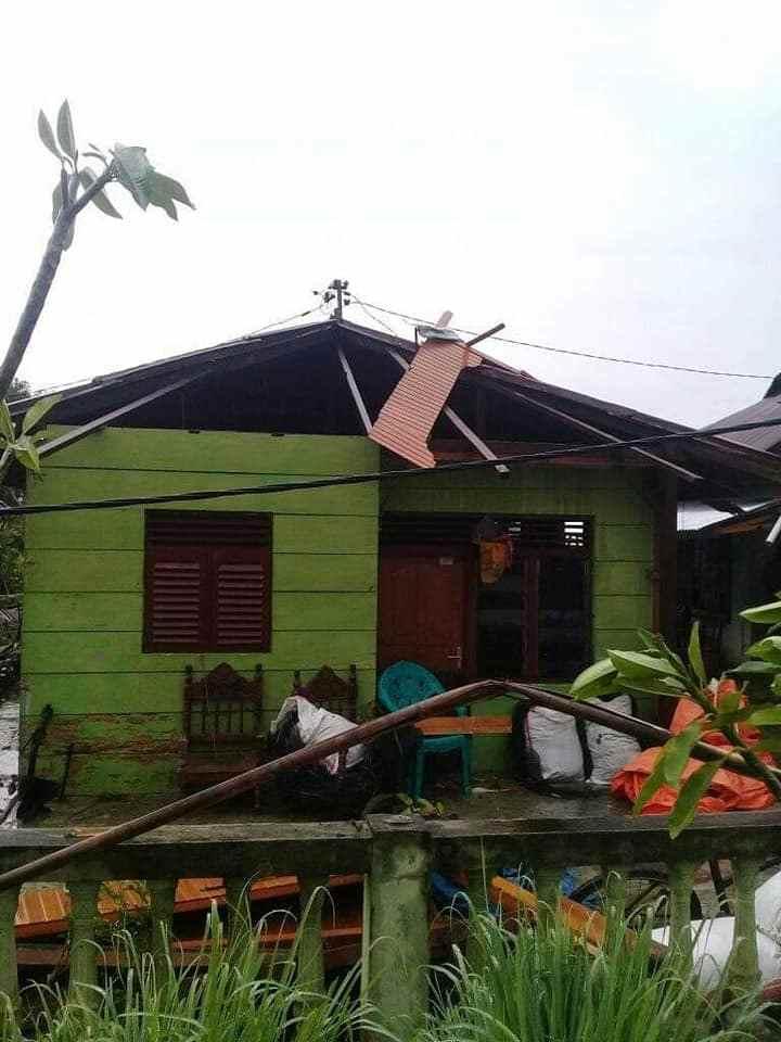 Sejumlah Rumah di Dumoga Rusak Dihantam Puting Beliung Berita Bolmong