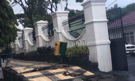 Hujan Satu Jam, Trotoar Depan Rudis Wawali Kotamobagu Rusak Berita Kotamobagu