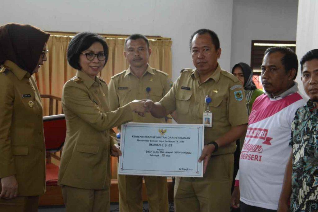 Dua Kementerian Salurkan Bantuan Sarana Pertanian, Kelautan dan Perikanan Berita Bolmong Berita Nasional Sulut