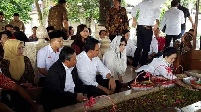 Menjelang Pilpres 2019, Megawati Ziarah ke Makam Bung Karno Berita Nasional