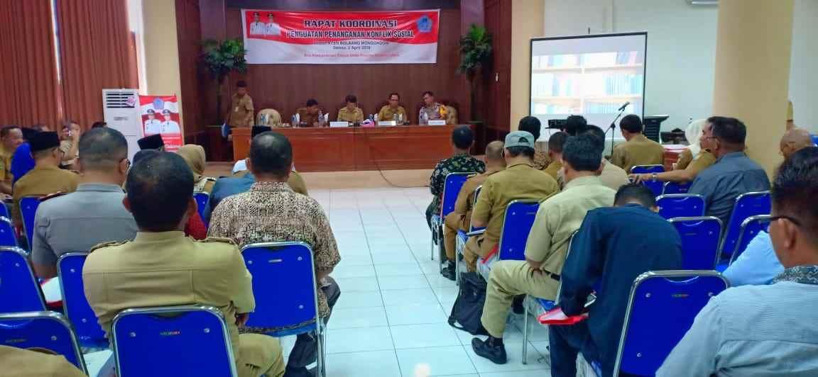 Pemkab Bolmong dan Biro Kesra Provinsi Sulut Gelar Rakor Penanganan Konflik Berita Bolmong