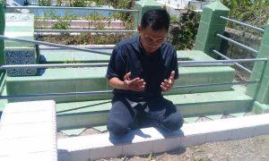 Nasir Ganggai Ziarah ke Makam Ayahnya Berita Bolmong Berita Politik