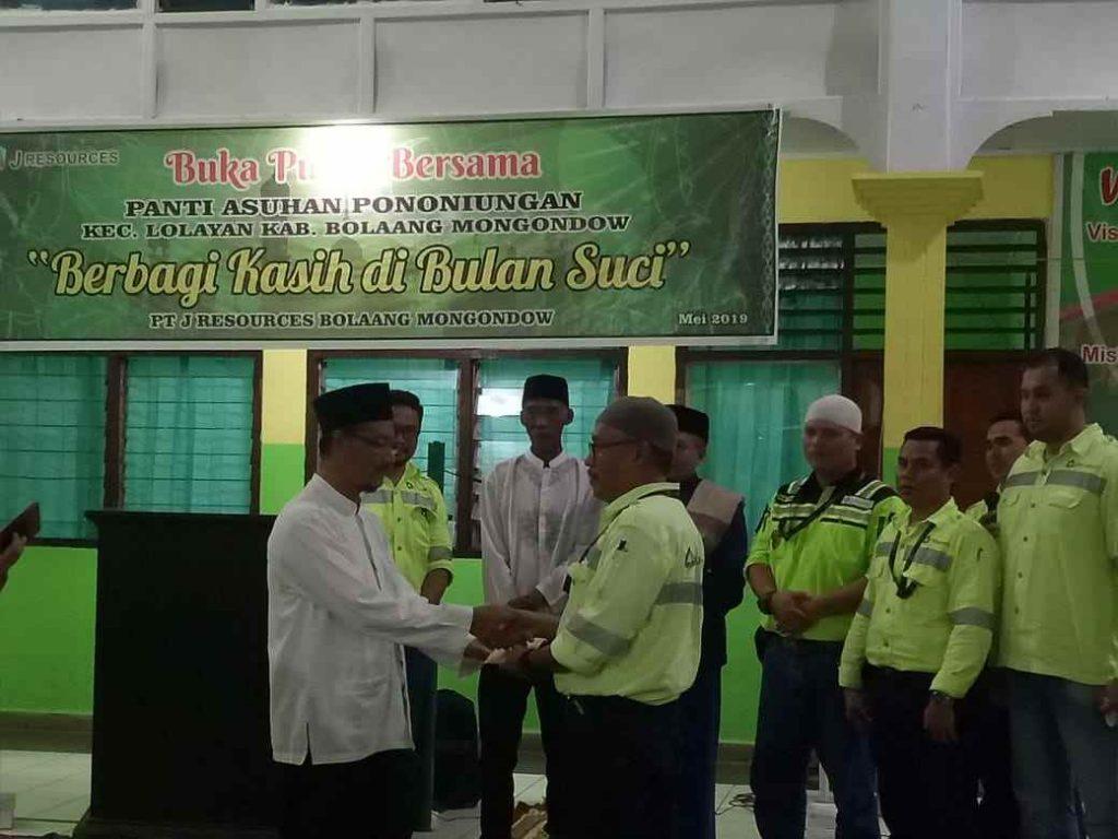 PT JRBM Buka Puasa Bersama dan Serahkan Santunan di Panti Asuhan Pononiungan Berita Bolmong Berita Daerah Berita Nasional Sulut