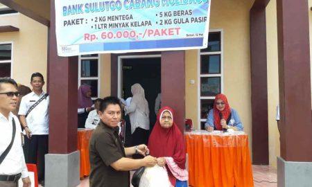 Bank SulutGo Molibagu Gelar Pasar Murah dan Berbagi Kasih dengan Kaum Dhuafa di Bulan Ramadhan Berita Bolsel Berita Ekonomi Sulut