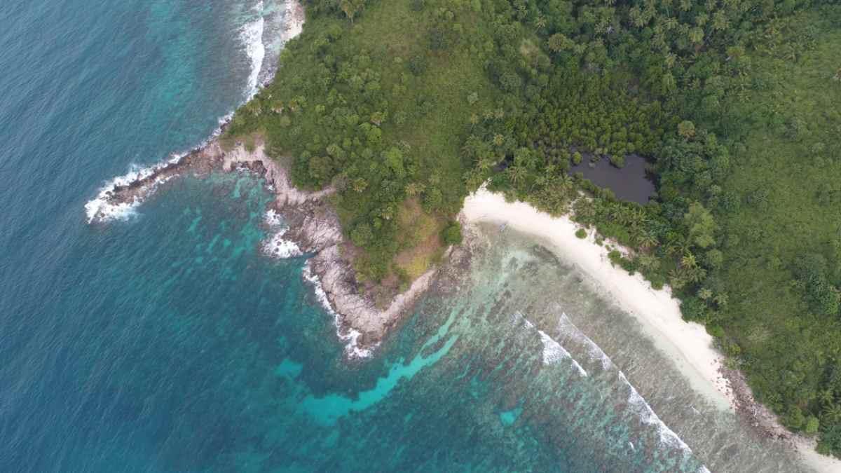 Snorkeling Batu Buaya Desa Iyok Miliki Terumbu Karang dan Puluhan Jenis Ikan Berita Boltim