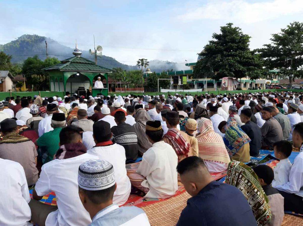 Suasana Khidmat Salat Idul Fitri di Desa Tanoyan Selatan Berita Bolmong Sulut