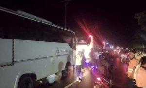 Bus Karyawan PT JRBM 'Diteror' Lagi di Desa Bakan Berita Bolmong Berita Hukum