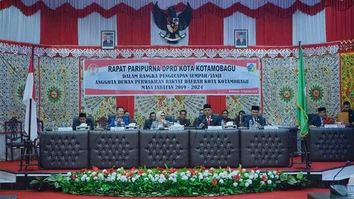 25 Anggota DPRD Kotamobagu Dilantik Advertorial Berita Politik