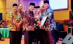 Kembangkan Pendidikan Agama dan Keagamaan, Bupati Bolsel Terima Penghargaan dari Kemenag Advertorial Berita Bolsel Berita Nasional Sulut