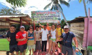 Wisatawan Rusia Takjub Saat Berkunjung di Ekowisata Mangrove Desa Dudepo Berita Bolsel Berita Daerah Berita Nasional Sulut