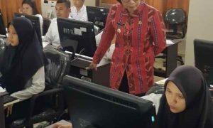 Tinjau Tes CPNS, Bupati Yasti Support Langsung Peserta Berita Bolmong