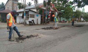 PUPR Kotamobagu Lakukan Pemeliharaan Jalan dan Jembatan Berita Kotamobagu