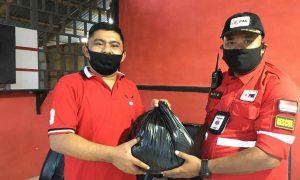 Mekal Bagikan Paket Sembako kepada Pengurus dan Relawan PMI Kotamobagu Berita Kotamobagu