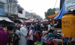 H-1 Idul Fitri, Warga Kotamobagu Padati Pasar dan Pusat Belanja Berita Kotamobagu