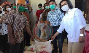 Bupati Yasti Serahkan Bantuan di Kecamatan Poigar, Bolaang Timur dan Bolaang Berita Bolmong